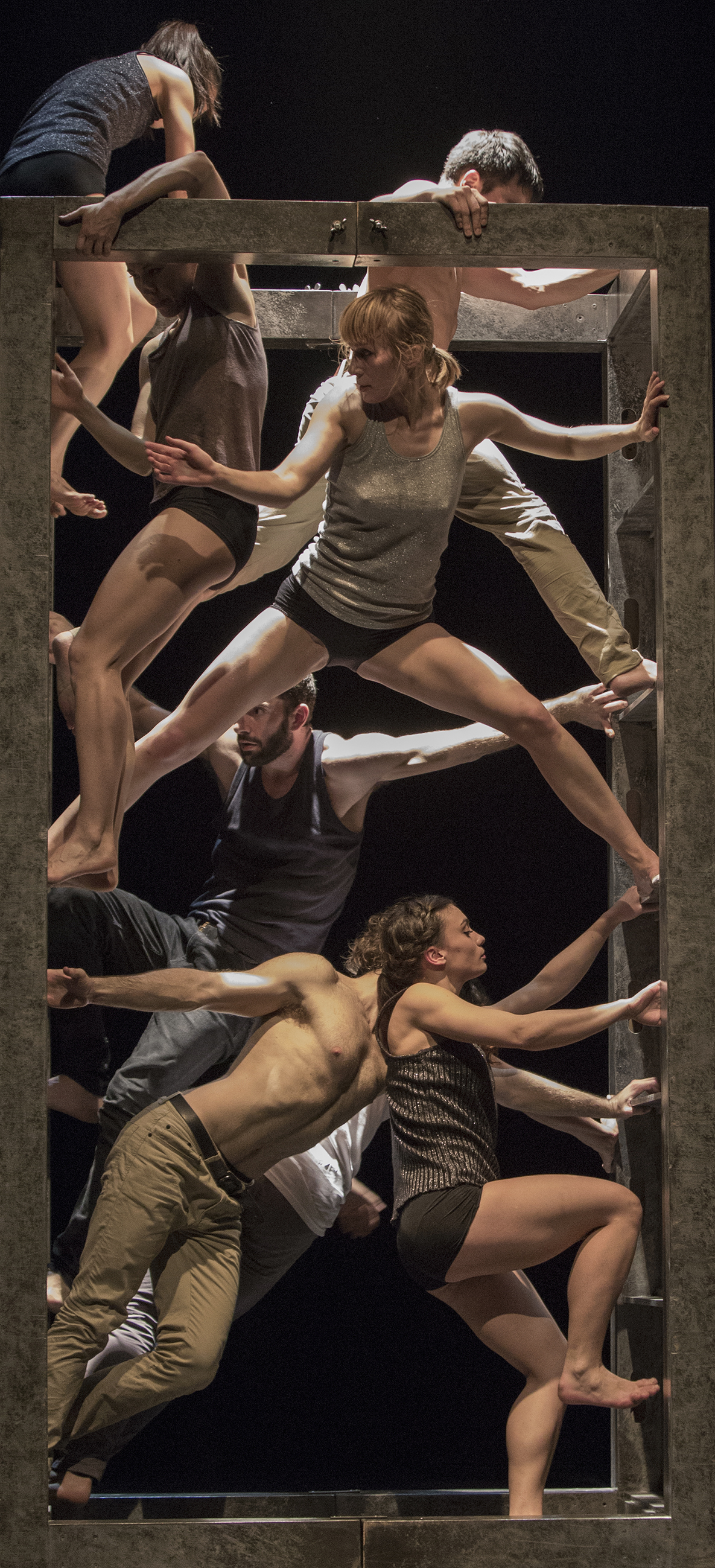 Company Linga, Photo: Gert Weigelt